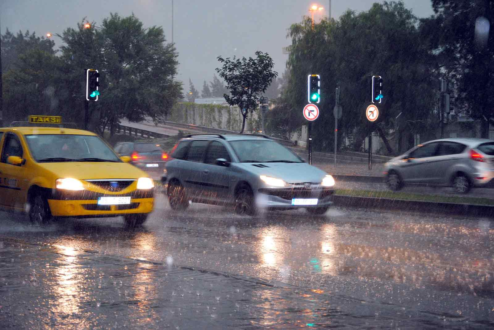5 Tips for Driving in the Rain